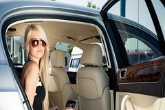LGA Private Car Service to/from Hotel - One Way