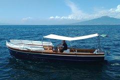 Visit Sorrento Coastline -by typical Gozzo - Welcome to Sorrento