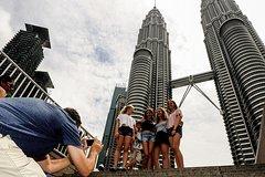 Imagen Evite las colas: entradas 2-en-1 para las Torres Petronas y el mirador de la Torre Kuala Lumpur