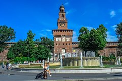 Bike tour of the main historical hidden gems of Milan