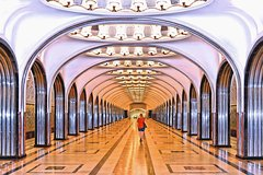 Imagen Moscow Metro and Russian Dinner Private tour