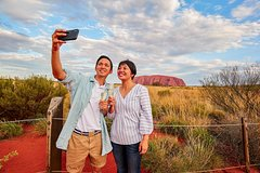 Imagen 2-Day Uluru (Ayers Rock) and Kings Canyon Tour from Alice Springs