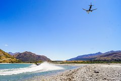 Imagen Private Arrival Transfer: Queenstown Airport to Hotel by Jet Boat
