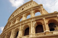 Private Transfer from Milan to Rome with 2 Sightseeing Stops