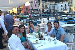Food Tour of Sorrento with a Local Guide including Dinner on the Seafront