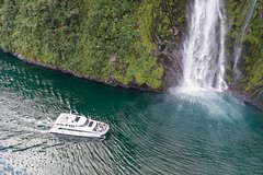 Imagen Milford Sound Full-Day Tour from Queenstown including Helicopter Flight