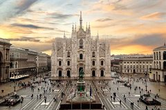 Milan private guided tour La Scala, Duomo cathedral, Sforza castle