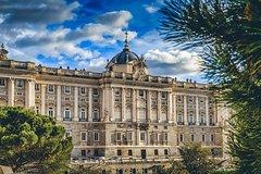 Imagen Visita a pie privada por Madrid: el famoso Palacio Real