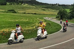 Tuscany Vespa Tours: one day vespa tour through the hills of Chianti