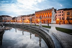 Day Trip by train from Venice to Padua. Private tour