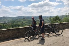Pedal assisted Bike tour in Noble Villa with wine tasting and olive oil tas