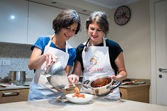 Share your Pasta Love: Small group Pasta and Tiramisu class in Siena
