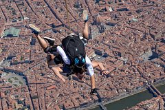 Gold - Tandem skydive over Florence downtown - Cameraman photo and video
