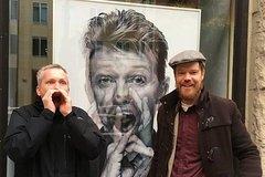 Imagen Recorrido a pie de medio día por Berlín para grupos pequeños: David Bowie y el fin del mundo, con un guía especializado en historia