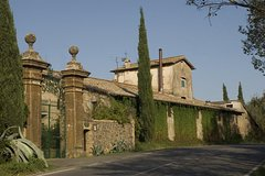 Rome: Private Wine Tour and Pasta Making Class in a Winery