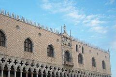 Regular Walking Tour Of Venice