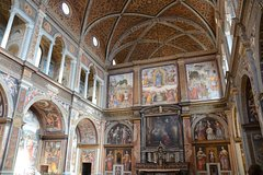 Milan: Churches of Milan Private Walking Tour
