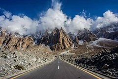 9 Days Epic Karakoram Highway Tour