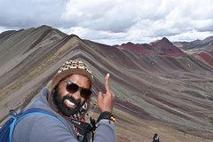 Imagen Small-Group and Short hike to the Rainbow Mountain Tour in Cusco