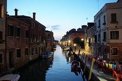 Venice's Jewish Ghetto with Wine & Cicchetti Tasting Tour - Samll Gro