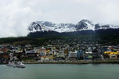 Imagen 3-Day Adventure Tour of Ushuaia: Hiking, Canoeing and Sailing at the End of the World