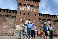 Private Best of Milan Guided Tour with Duomo, La Scala Theatre and Sforza C