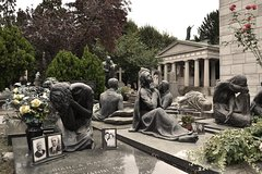 Private Guided Tour of the Monumental Cemetery of Milan