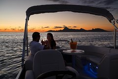 Champagne & Cocktails Private Sunset Tour on a Luxurious Boat in Bora Bora