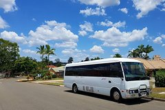 Shared Arrival Transfer: Brisbane Airport to the Brisbane City