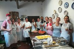 Enjoy a Cooking Class at your holiday house