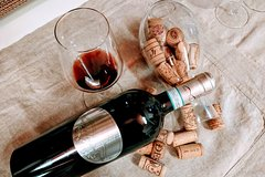 Imagen Milan: A Door to Wine