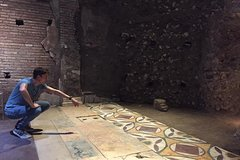 Archeological Tour by PhD Guide Donato w/ Colosseum, Roman Forum & Pala