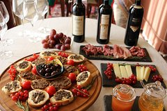Brunello di Montalcino Wine Tasting with Tuscan appetizer in ancient reside