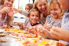 Little Pizzaiolo:Pizza class for all the Family at a Cesarinas home in Flor