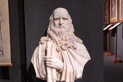 Florence: Leonardo Da Vinci Museum With City Walking Tour
