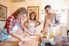 Share your Pasta Love: Small group Pasta and Tiramisu class in Turin