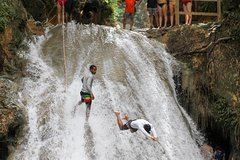 Blue Hole and Dunn's River Falls with Lunch from Ocho Rios