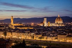 Florence by Night Photo Walking Tour with a Professional Photographer