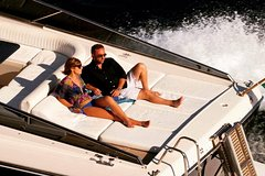 Rental for exclusive private use of yachts and boats