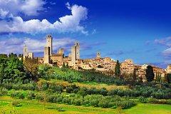 Tuscany countryside from Livorno: Private Volterra, San Gimignano & Win