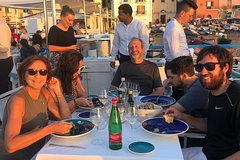 Sorrento Walking & Food Tour at Sunset with Apertivo and Seafood Dinner