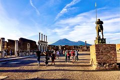 Guided tour of the Pompeii excavations with tour of the Amalfi Coast