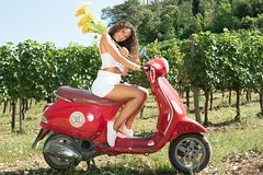 Self-Drive Vintage Vespa Tour with Tuscan Gourmet Lunch