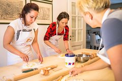 Hands-on cooking class of Pasta and Tiramisu in Rapallo
