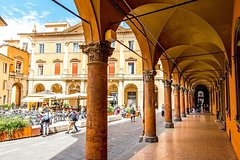 Private Transfer: Florence to Venice with Stop in Bologna