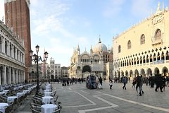 From Verona: Venice full-day tour! Bus + Boat + Guide