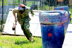 Fighting spirit erupts in paintball battles, killing day and night