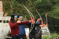 Hunger Games Bow and Arrow Battle