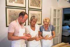 Name your recipe: food market tour and workshop with a Cesarina in Rome