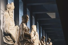 Skip the Line:Duomo Museum/Rooftops/Cathedral Ticket + Self-guided Tour in
